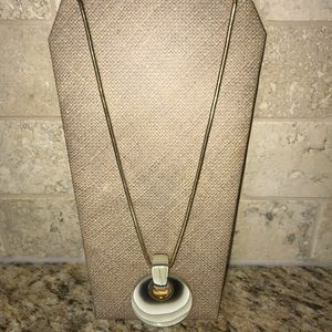 Long pendent necklace